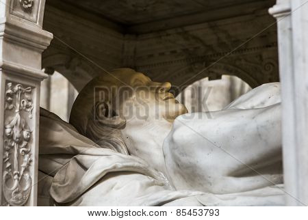 Recumbent statue of  king Louis XII,  in basilica of saint-denis