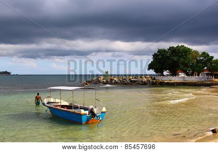 Motor boat, Unawatuna beach