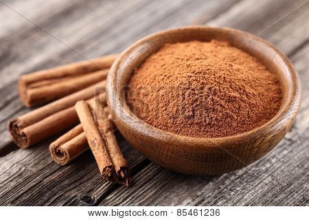Cinnamon powder with sticks. Slimming
