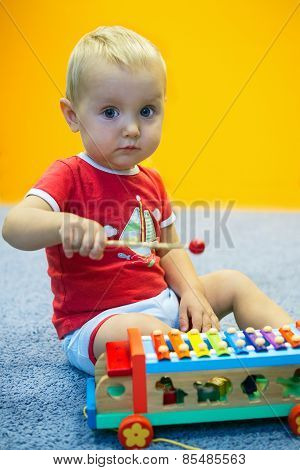 Kid Plays Glockenspiel