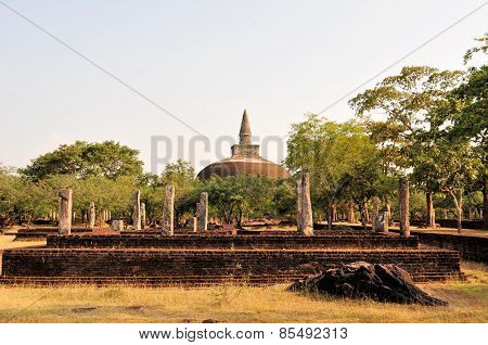 Rankoth Ancient Buddhist Stupa, Polonnaruwa, Sri Lanka