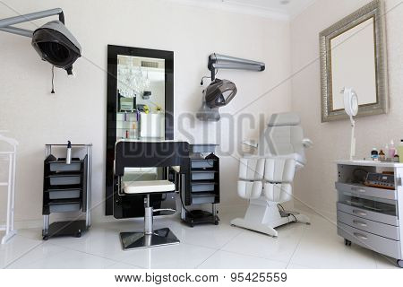 Hairdresser's room