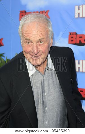 LOS ANGELES - JUN 8: Jerry Weintraub at the Premiere of HBO's 'The Brink' at the Paramount Theater at Paramount Studios on June 8, 2015 in Los Angeles, CA