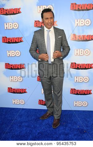 LOS ANGELES - JUN 8: Aasif Mandvi at the Premiere of HBO's 'The Brink' at the Paramount Theater at Paramount Studios on June 8, 2015 in Los Angeles, CA