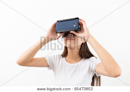 Woman experience though the visual reality device