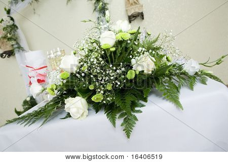 Bouquet of white roses for special occasion