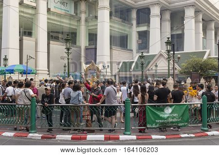 BANGKOKTHAILAND - DEC 31 : massive Unidentified tourist at Erawan shrine area in ratchaprasong junction while new year festival on december 31 2016 Thailand.