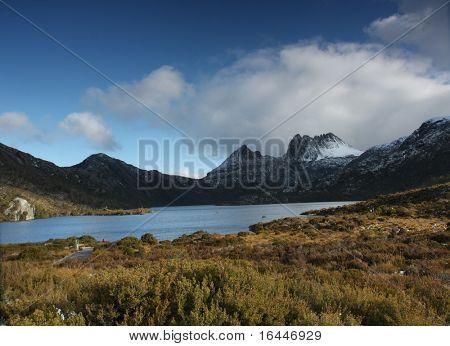 Panarama or Tasmania's Cradle Mountain and Dove Lake