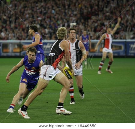 MELBOURNE - SEPTEMBER 18: Jason Gram of St Kilda in their win over the Western Bulldogs - Preliminary Final, September 18, 2009 in Melbourne, Australia.