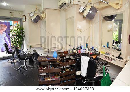 Retro Barber Shop In Singapore