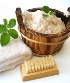 image of washtub  - washtub with bath salt - JPG