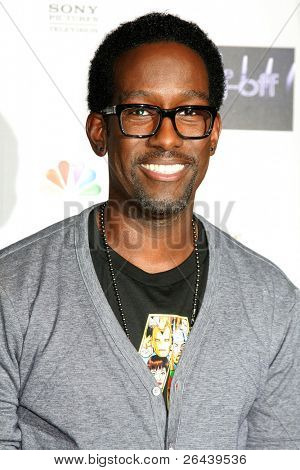 LOS ANGELES - NOV 28:  Shawn Stockman arrives at the NBC's