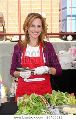 LOS ANGELES - NOV 30:  Marlee Matlin at the Hollywood Chamber Of Commerce 17th Annual Police And Fire BBQ at Wilcox Station on November 30, 2011 in Los Angeles, CA