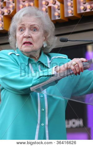 LOS ANGELES - AUG 22:  Betty White at the ceremony for Valerie Bertinelli Hollywood Walk of Fame Star at Hollywood Blvd. on August 22, 2012 in Los Angeles, CA