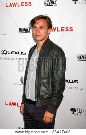 LOS ANGELES - AUG 22:  William Moseley arrives at the