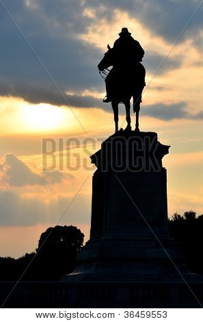 Washington DC - Ulysses S. Grant Memorial silhouette  in front of the US Capitol Building