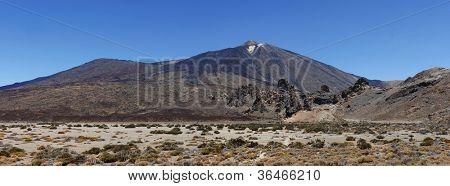 Imagem panorâmica do vulcão Monte Teide ou El Teide em Tenerife e seu circundante planalto. -H