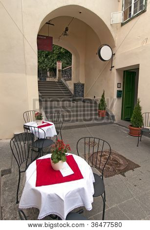 Romantic Bistro Tables And Chairs