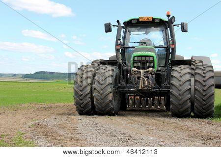 Deutz-Fahr Agrotron 130 Tractor