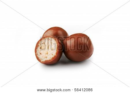 Crispy rice chocolate drags with clipping path