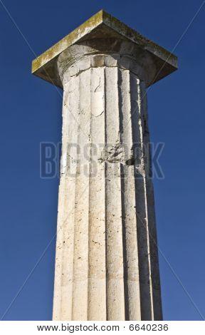 Ancient greek pillar of doric rhythm found at Pella site in Greece