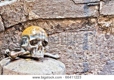 skull in Spaccanapoli, Naples - Italy