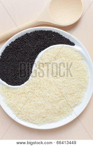Rice and nigella seeds