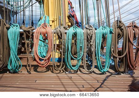 Rope Control The Sails