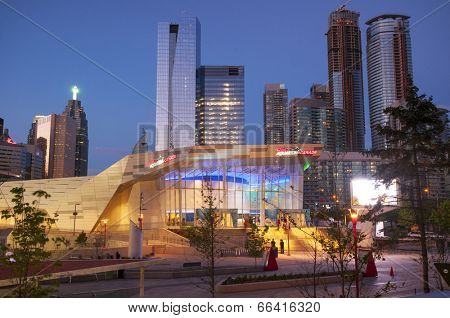 TORONTO, CANADA - MAY 31, 2014: Entrance to Ripley's Aquarium of Canada in Toronto. The Aquarium is a 12,500 square-metre and more than 5.7 million liters of water.