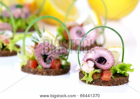 Fingerfood with seafood