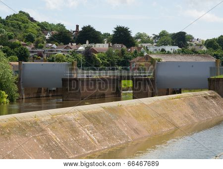 Flood Gates And Spillway