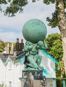 picture of hercules  - Statue in the small Welsh village of Portmeirion representing Hercules - JPG