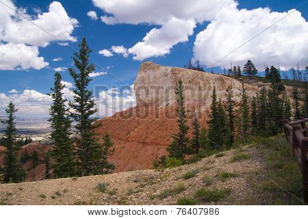 Rock Cliffs Of Bryce Canyon