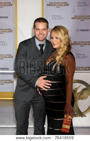 m LOS ANGELES - NOV 17:  Wes Chatham, Jenn Brown at the The Hunger Games: Mockingjay Part 1 Premiere at the Nokia Theater on November 17, 2014 in Los Angeles, CA