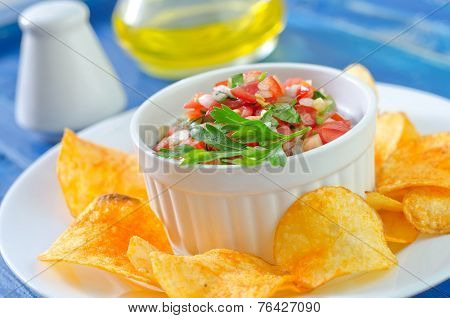 chips with salsa