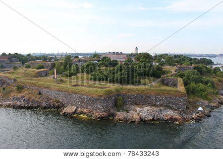 Suomenlinna, until 1918 Viapori (Finnish), or Sveaborg (Swedish).