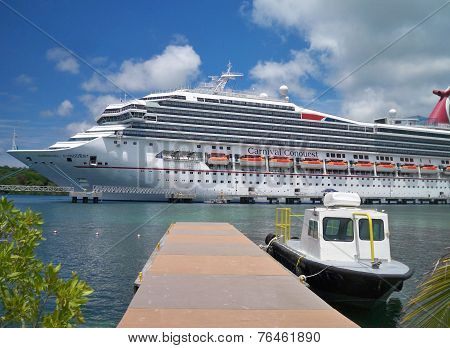 Carnival Conquest at Roatan