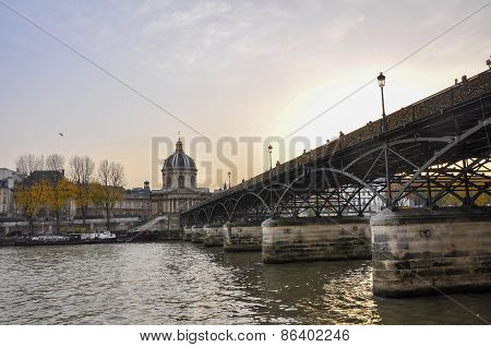 Pont des Arts mistaken love bridge