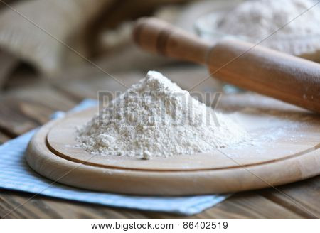 Pile of flour on cutting board, closeup