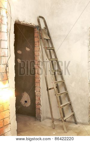 Ladder to repair