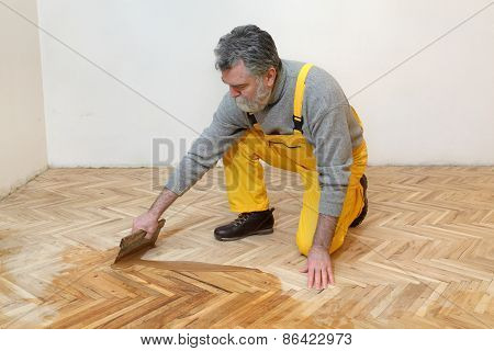 Home Renovation, Oak Parquet Varnishing Finish