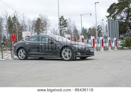 Tesla Power Charger