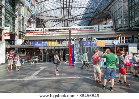 Tourists And Workers Are Shopping And Traveling At The Central Station Of Berlin, Germany