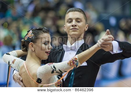 Minsk, Belarus-february 14, 2015: Yushkevich Alexey And Apraksina Anastasiya Perform Adult Standard