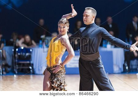Minsk, Belarus-february 14,2015: Professional Dance Couple Of Divtsov Dmitrii And Gribkova Mariya Fr