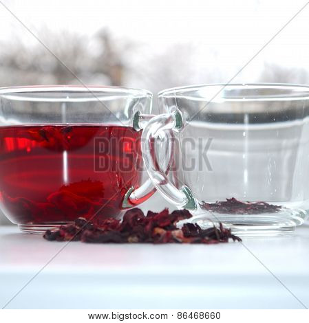 Red hibiscus tea