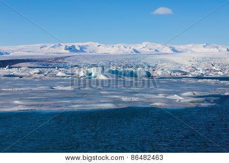 Jokulsarlon, blue ice lagoon