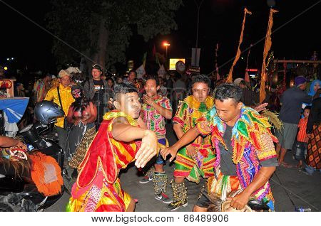 Dancers in traditional clothes, Yogyakarta city festival parade