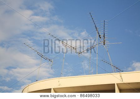Many Old Home Tv Antennas