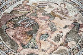 pic of minotaur  - Roman mosaic of Theseus and the Minotaur at the Villa of Theseus - JPG